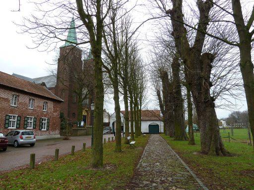 kasteelhof, Aan de Kerk 4