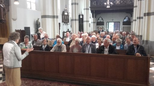 rondleiding in kerk Amstenrade